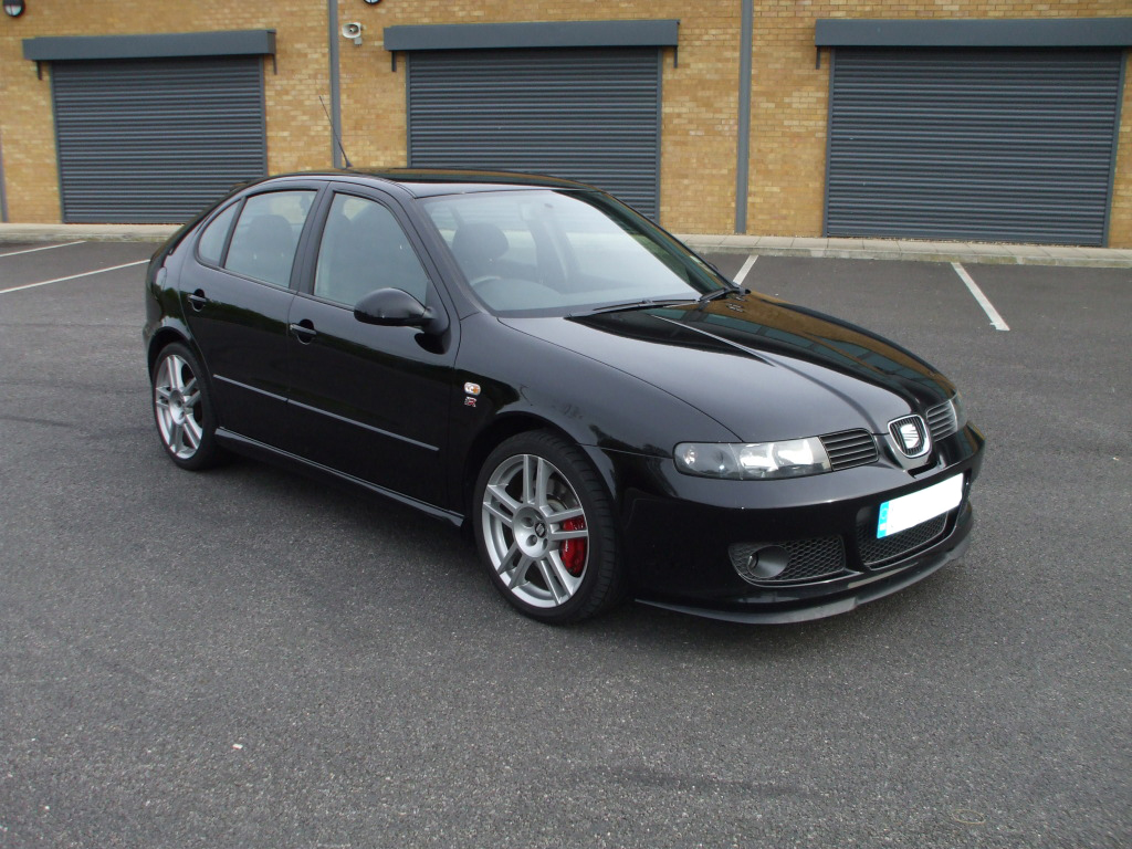 seat leon cupra r black. Black Bedroom Furniture Sets. Home Design Ideas